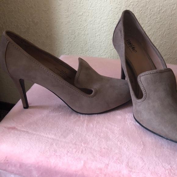 22cfb92e6886 Target heels. M 5b75ff2a9264af798d55198c